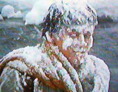 雪をかぶりすぎている圭