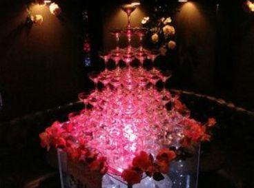 ホストクラブのシャンパンタワー(イメージ)