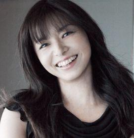 魅力的な山口智子さん