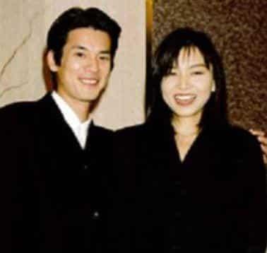 若い頃の初々しい山口智子さんと唐沢寿明さん