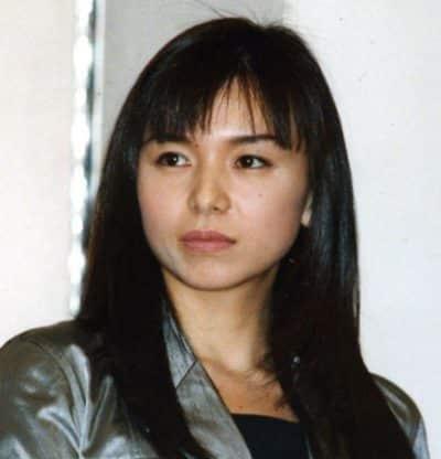 きりっとしている若い頃の山口智子さん