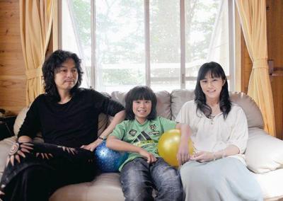 女優・杉咲花さんの父親・木暮武彦さんと家族