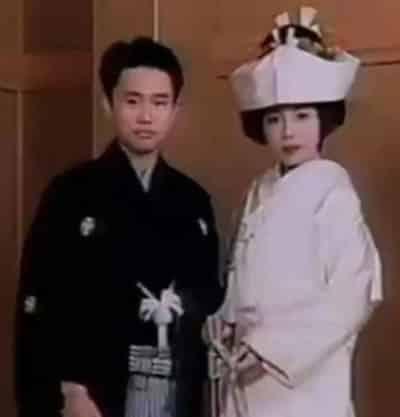 若い頃の浜田雅功さんと小川菜摘さんの結婚式写真(着物)