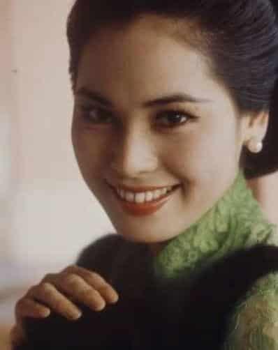 若い頃のデヴィ夫人の爽やか美人写真