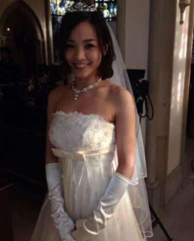 国仲涼子さんの花嫁衣裳