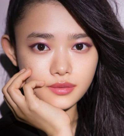 少女から大人の女性へ成長する女優・杉咲花さん