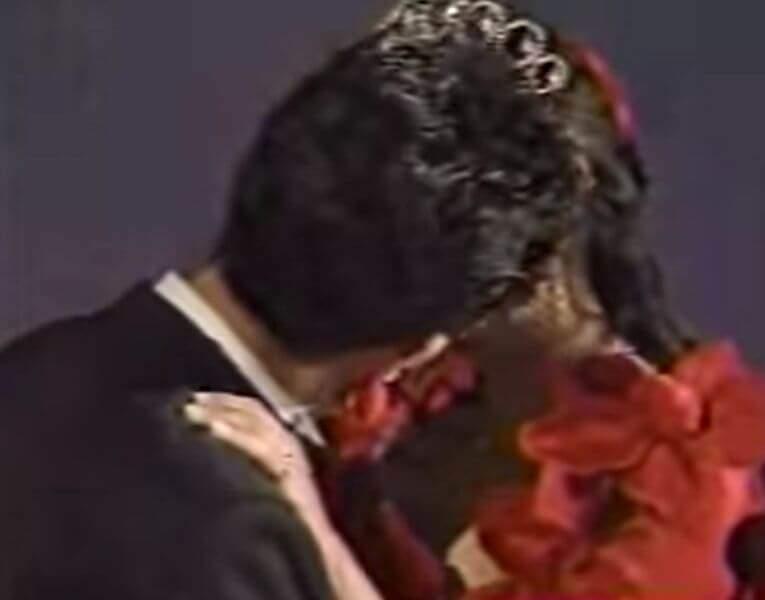 若い頃の浜田雅功さんと小川菜摘さんの熱い接吻写真