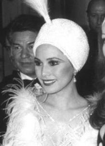若い頃のデヴィ夫人の全盛期の写真
