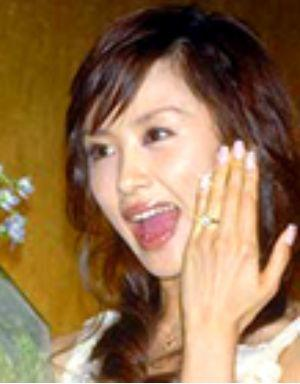 婚約指輪の大きさに第熱狂のもえちゃん
