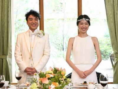 戸田恵梨香さんとムロツヨシさんの結婚式のシーン