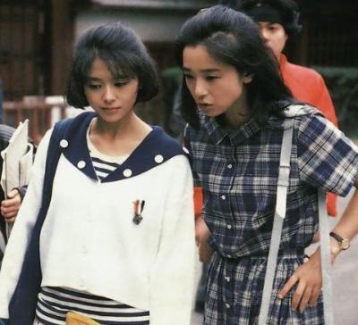 『花嫁人形は眠らない』に出演する小泉今日子さんと田中裕子さん