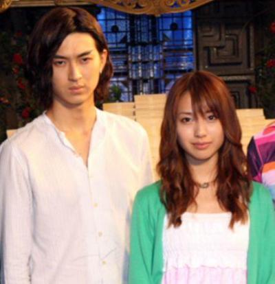 松田翔太さんと戸田恵梨香さん